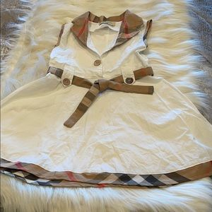 Burberry girl dress 2-3 years with belt & button